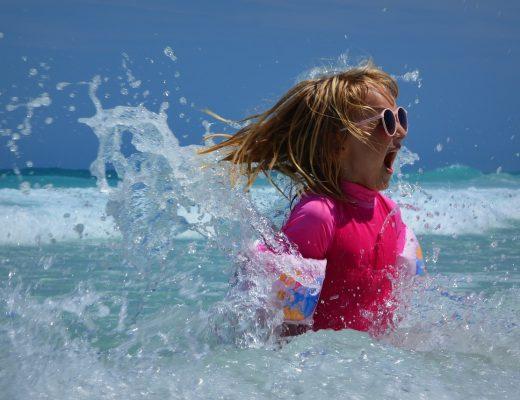 Les enfants au soleil risques et précautions