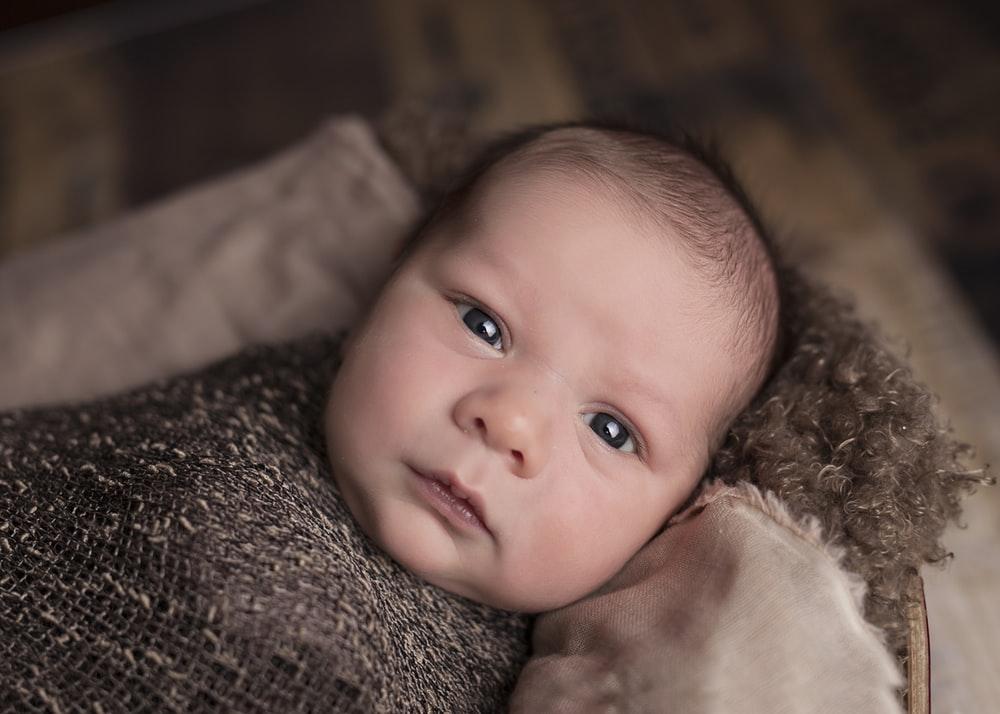 choisir des faire part de naissance avec la photo de bebe